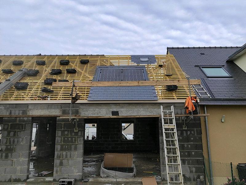 Installation et pose de panneau solaire en autoconsommation et intégration sur toiture ardoise à Laval en Mayenne (53) - ARS Énergie - Modules photovoltaïques, panneaux solaires, énergies solaires, centrales, réparation, maintenance, installation, pose,...