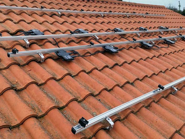 Installation, maintenance et réparation de panneau solaire en autoconsommation avec micro onduleur à Sainte-Foy en Vendée (85) - ARS Énergie - Modules photovoltaïques, panneaux solaires, énergies solaires, centrales, réparation, maintenance, installation, pose,...
