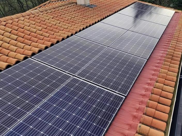 Installation de modules photovoltaïques à La Flocellière en Vendée (85) - ARS Énergie - Modules photovoltaïques, panneaux solaires, énergies solaires, centrales, réparation, maintenance, installation, pose,...